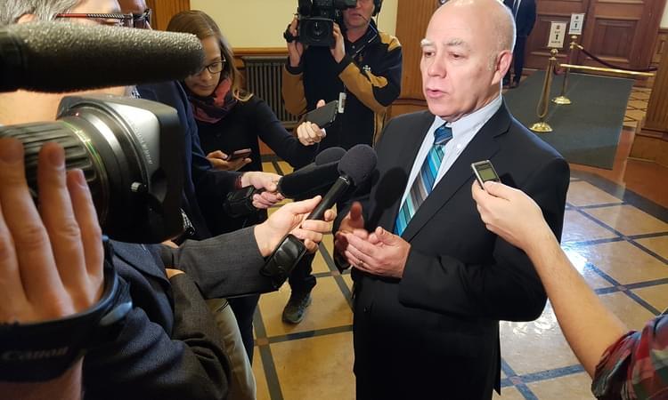 Le chef du Parti vert dépose un projet de loi pour protéger les locataires