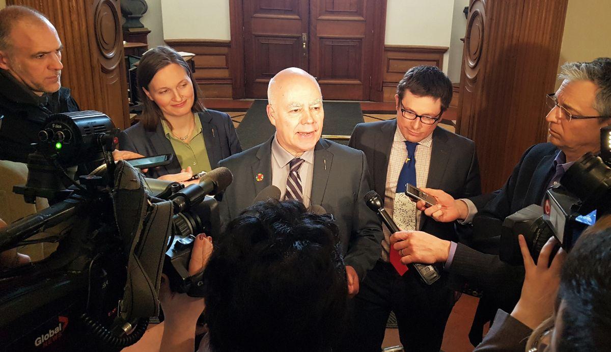 Le chef du Parti vert dépose une motion visant à augmenter davantage les taux d'aide sociale et à mettre en œuvre un projet pilote sur la garantie d'un revenu de base au Nouveau-Brunswick